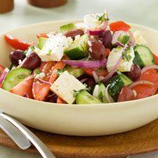 super-easy-greek-salad-81664-1
